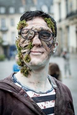Zombie infecté mousse