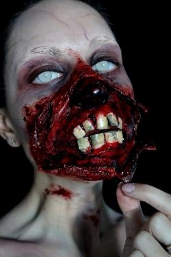 Zombie égratigné