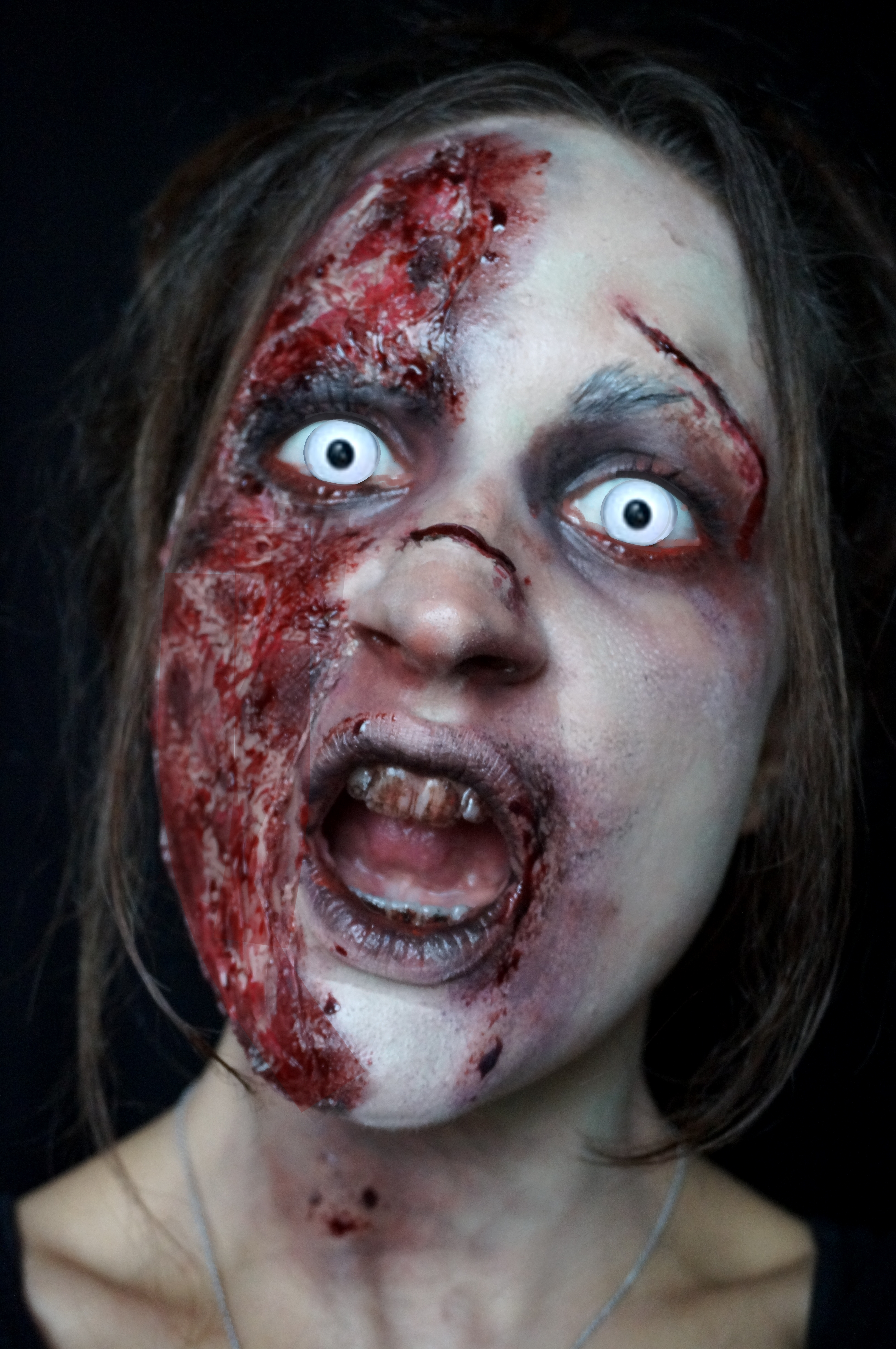 Maquillage halloween - Maquillage zombie simple ...