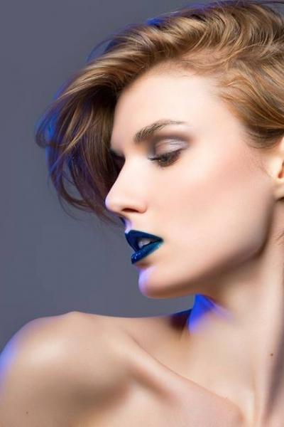 Maquillage beauté bleu
