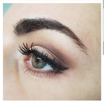 Maquillage brun eyeliner