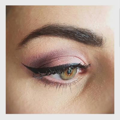 Maquillage rose eyeliner